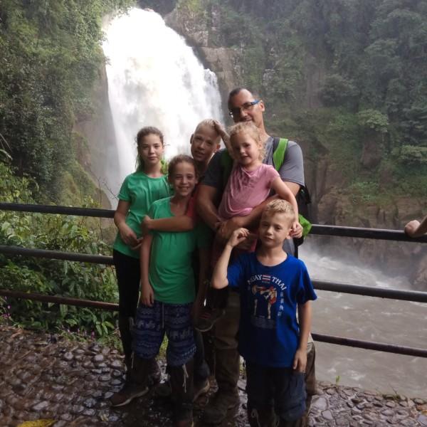 משפחת שטייר לטיול במזרח הרחוק