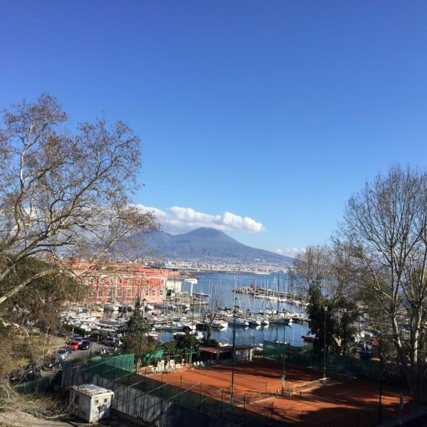 נאפולי איטליה אתרים מעניינים